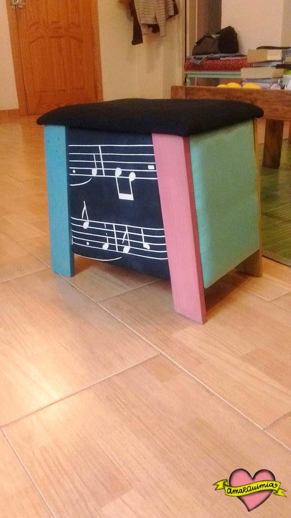 banquito reciclaje música multicolor