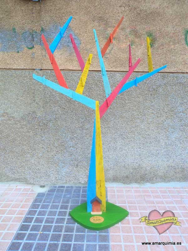 árbol de madera de palet diseño reciclaje