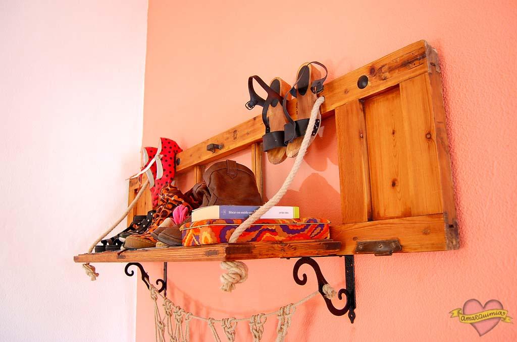 cabecero-estantería de reciclaje decoración vintage casa antigua Alicante