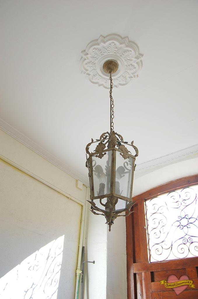lámpara de hierro casa antigua centro de Alicante