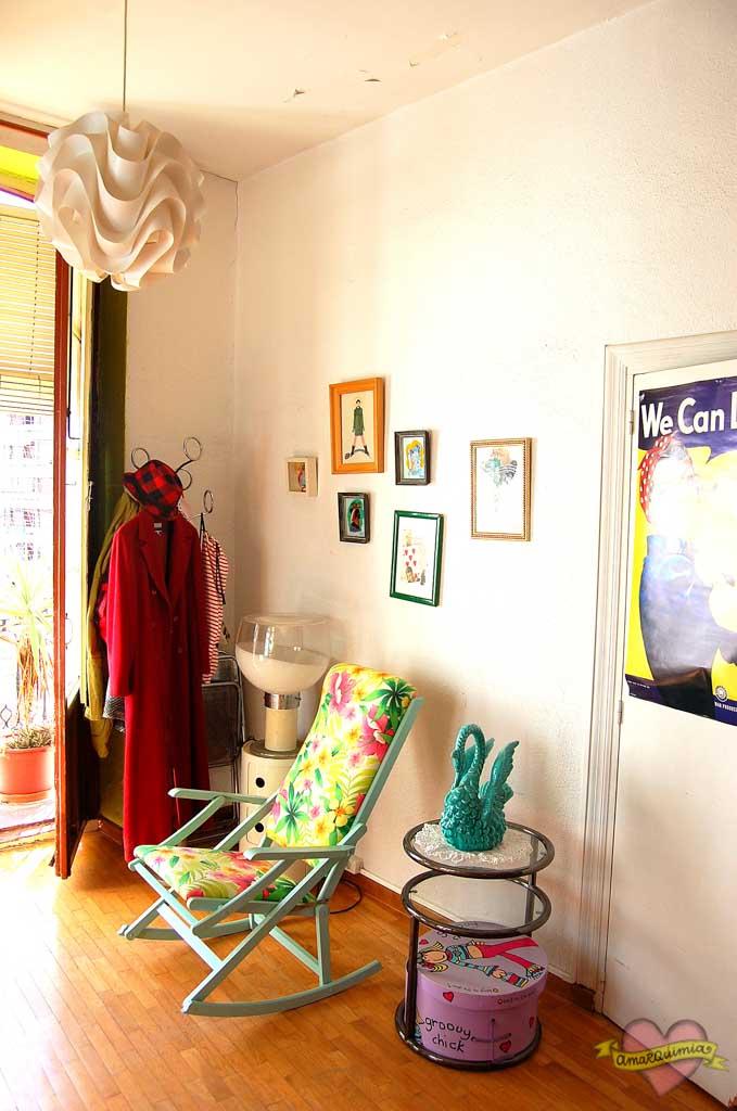 mecedora años 60 recuperada y personalizada casa antigua Alicante