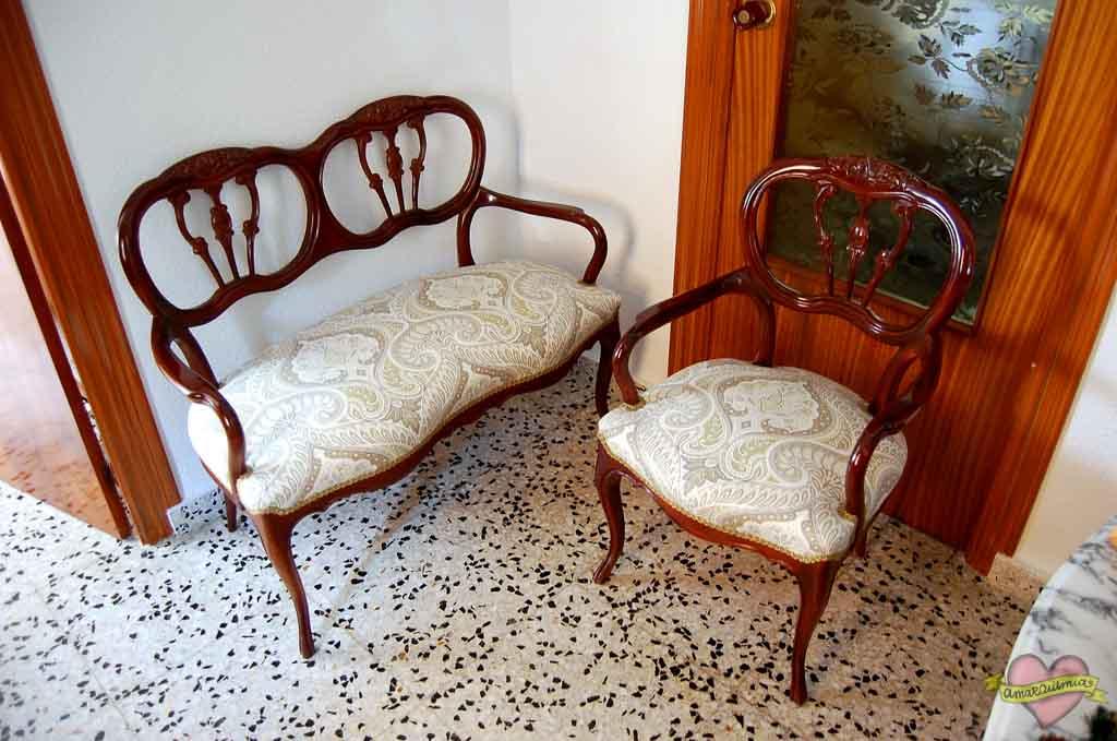 tapicería conjunto sofá y sillón clásicos