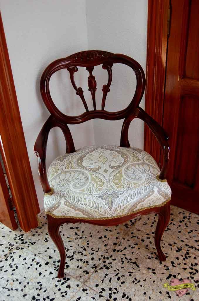 tapicería sillón clásico con tela estilo hindú