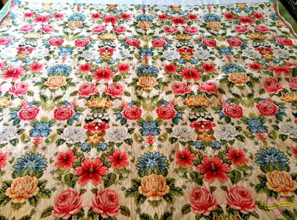 tela decoración con flores