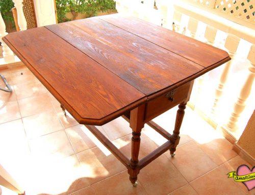 Restauración mesa antigua de cocina de pino Canadá