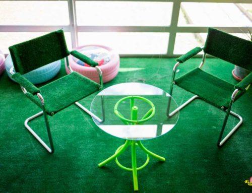 Diseño y ejecución conjunto de mesa auxiliar y pareja de sillas para sala creativa CEEIC