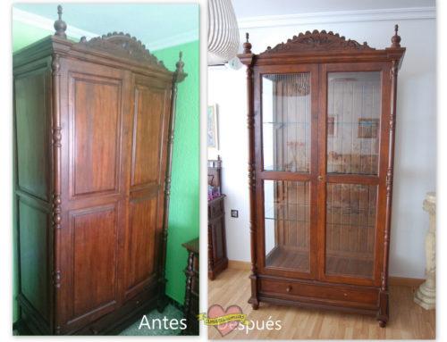 Transformación armario antiguo en vitrina